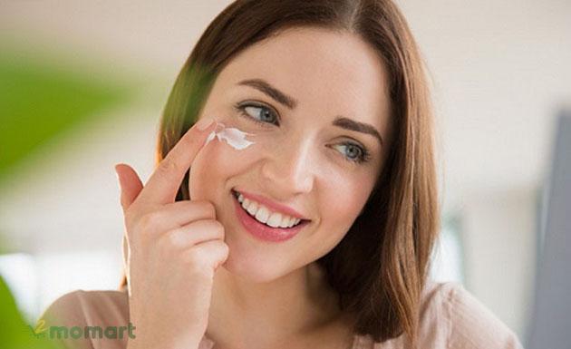 Cách dùng kem trị mụn tốt với da