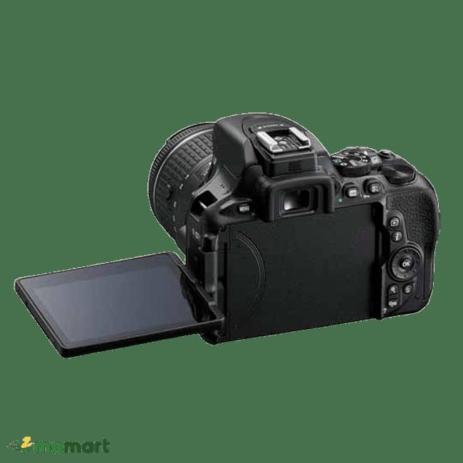 Máy Ảnh Nikon D5600 chụp đằng sau