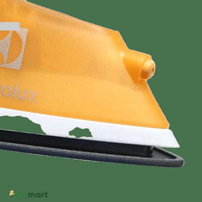 Bàn ủi hơi nước Electrolux ESI4007