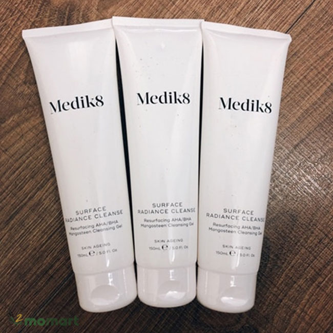 Sữa rửa mặt MEDIK8 giúp giữ độ ẩm cho da