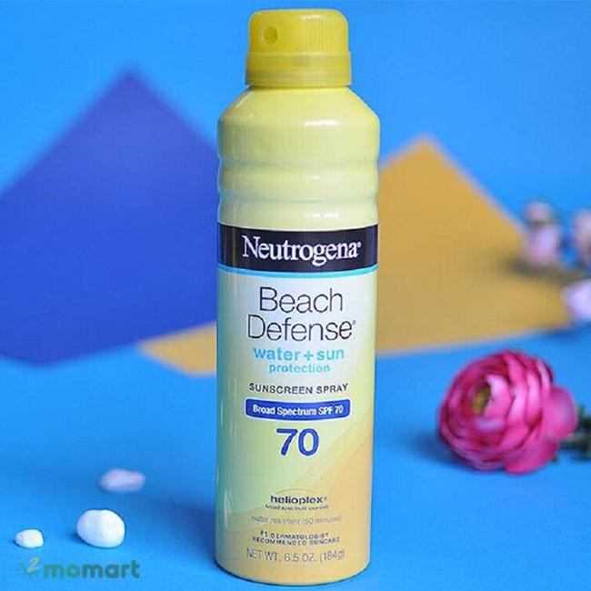 Xịt Chống Nắng Neutrogena Beach Defense SPF 70