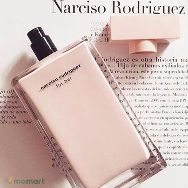 Nước hoa Narciso Rodriguez For Her hương thơm nữ tính