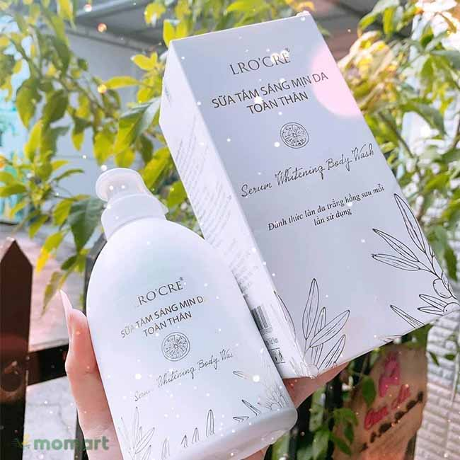 Thiết kế của sữa tắm trắng da Lro'cre