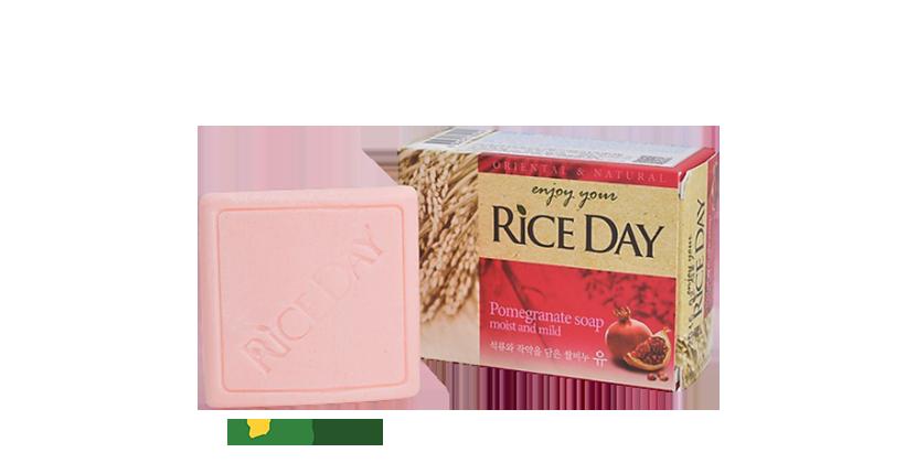 Xà bông dưỡng ẩm và tẩy tế bào chết Rice Day tinh dầu lựu và hoa mẫu đơn