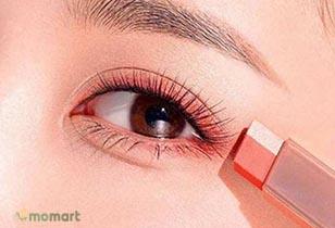 Phấn mắt dạng thỏi chất lượng cho nàng có đôi mắt thu hút và quyến rũ